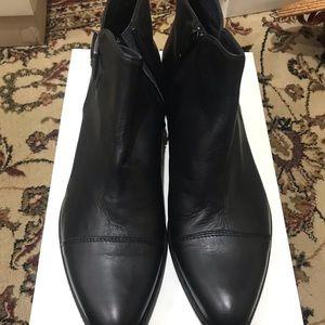 Shoes - Pampiani Women boots